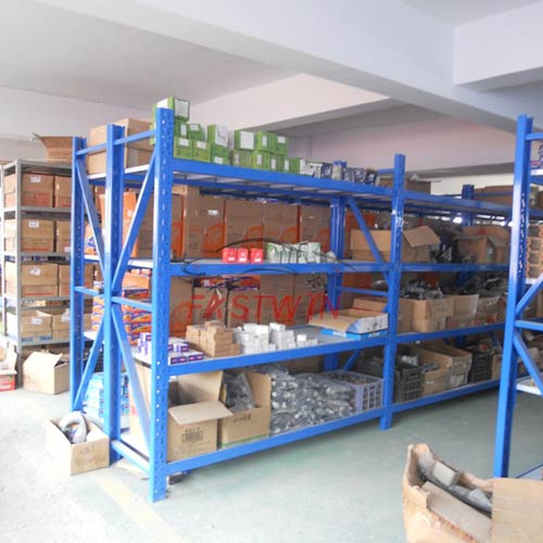 FASTWIN AUTO PARTS DISTRIBUTOR FOR CHINA AUTO CAR PARTS WAREHOUSE 4